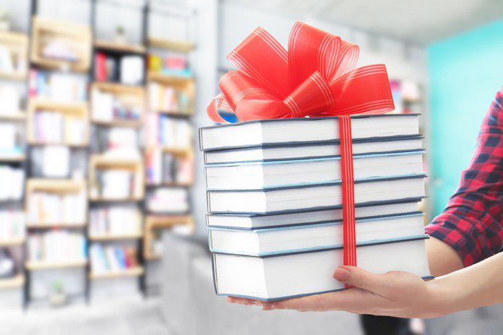 Майбутнім медикам пропонують освідчуватися в коханні книжками