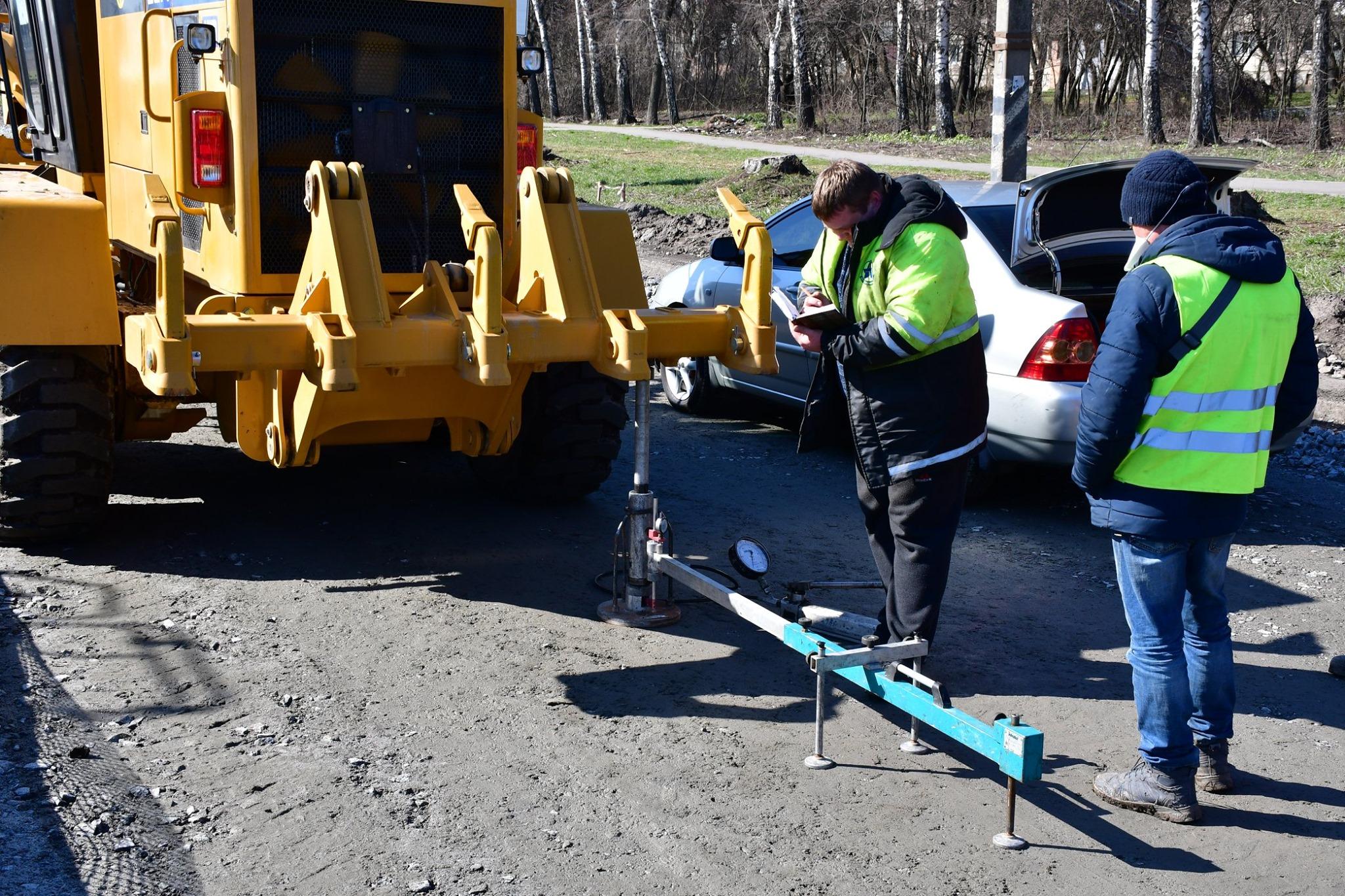 У Полтаві перевіряють якість робіт на трасі Київ – Харків, щоб продовжити ремонт