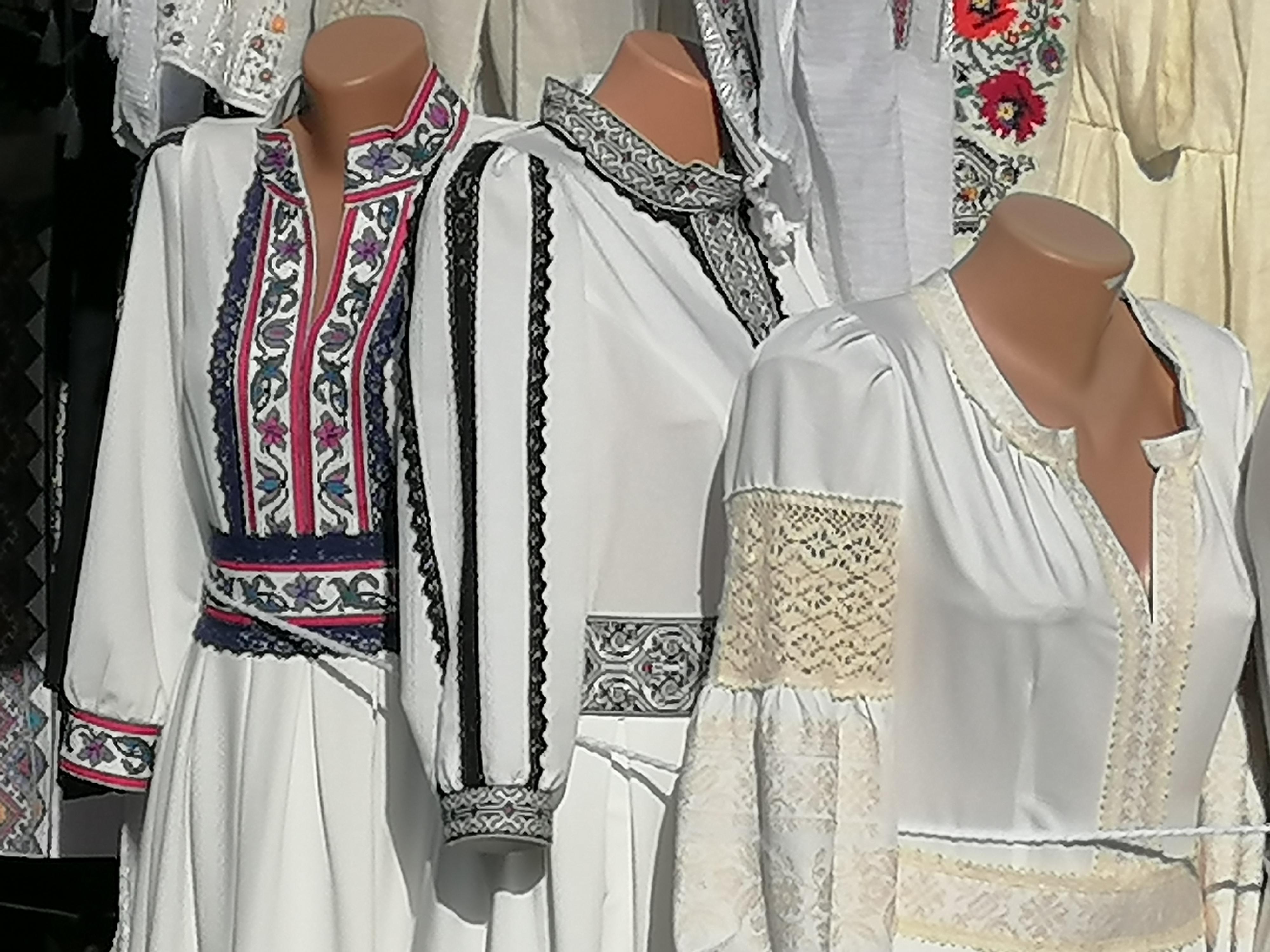 День вышиванки в Полтаве, области, Украине: флеш-мобы, фотоконкурсы, онлайн-встречи