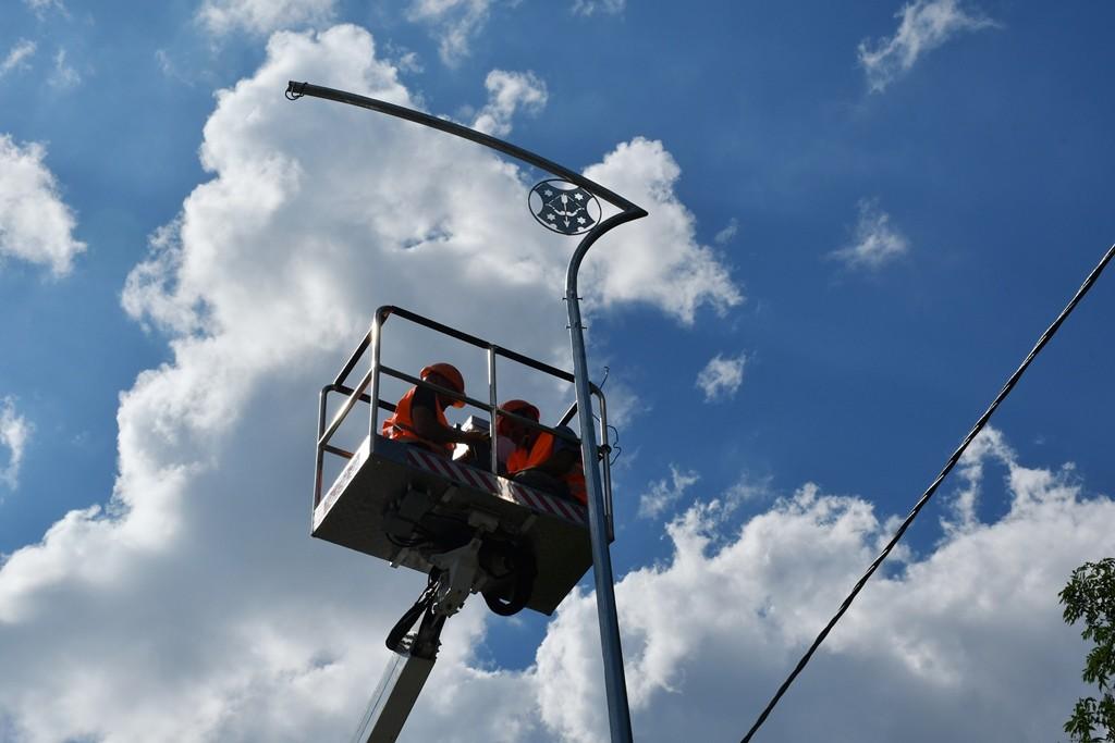 На дороге Киев – Харьков в Полтаве устанавливают энергосберегающие фонари