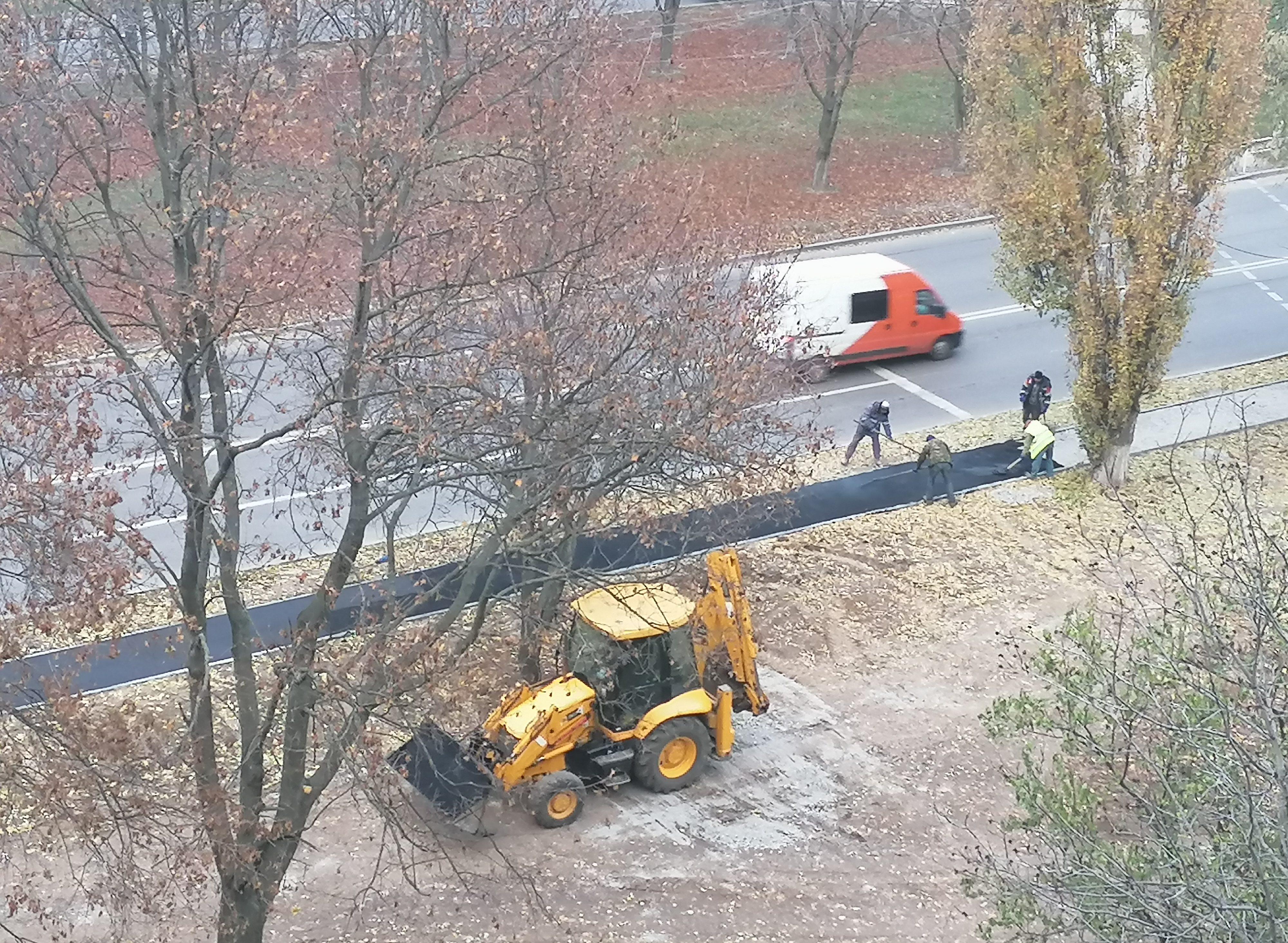 Ремонт ливневой канализации принес горожанам новые тротуары