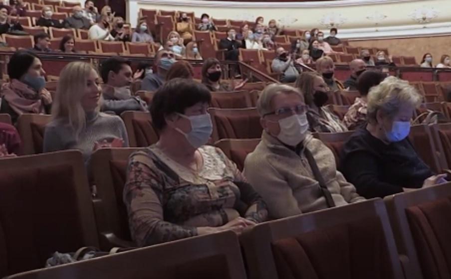 В марте полтавчан ожидают премьеры спектаклей украинского и английского авторов