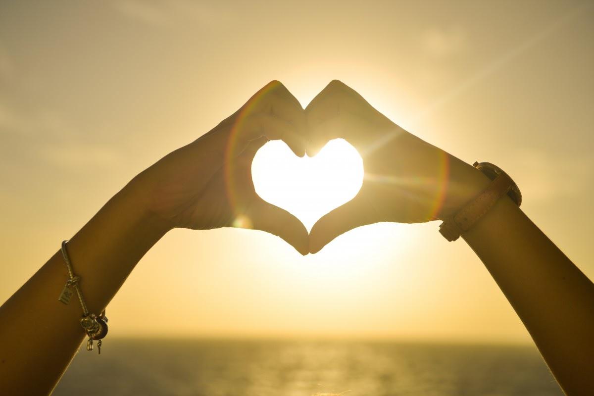 Полтавців закликали освідчуватися в коханні