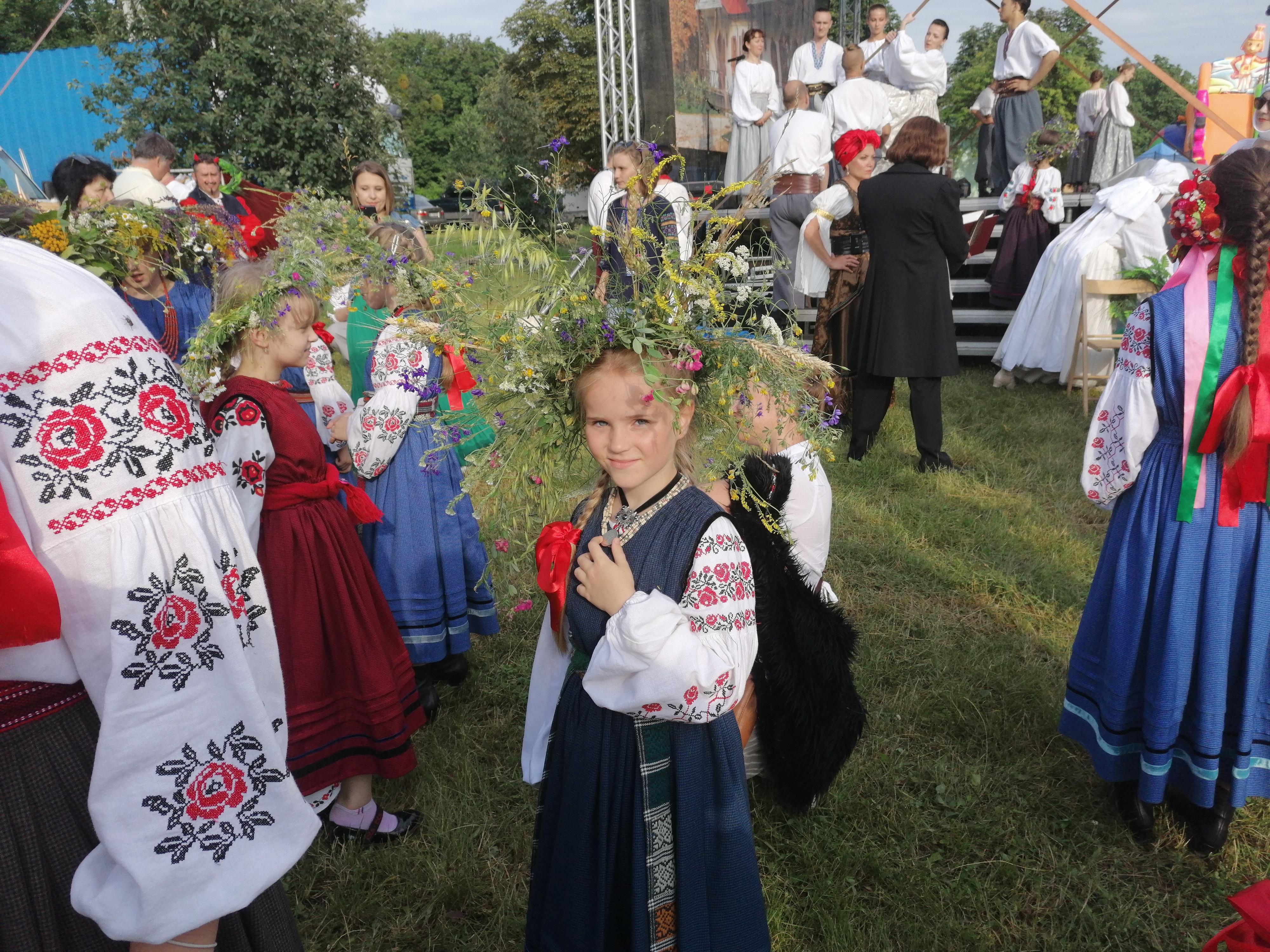 На Полтавщине устроили «Купальские игры на родине Николая Гоголя» (фото)